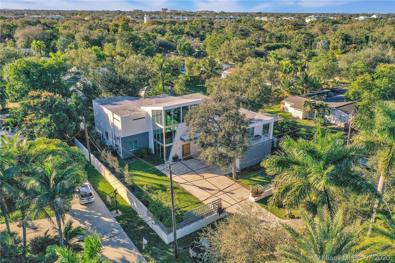 10620 SW 74th Ave  For Sale A10795145, FL