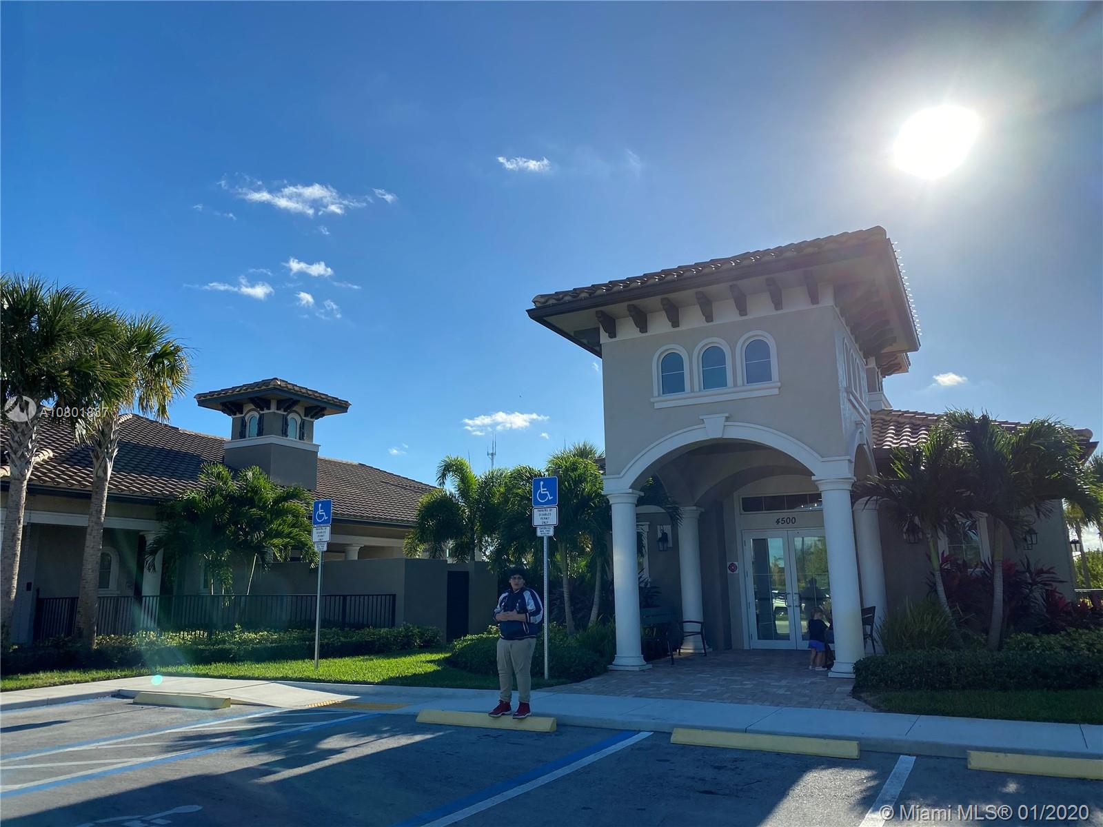 1001  Hillcrest Ct #306 For Sale A10801837, FL