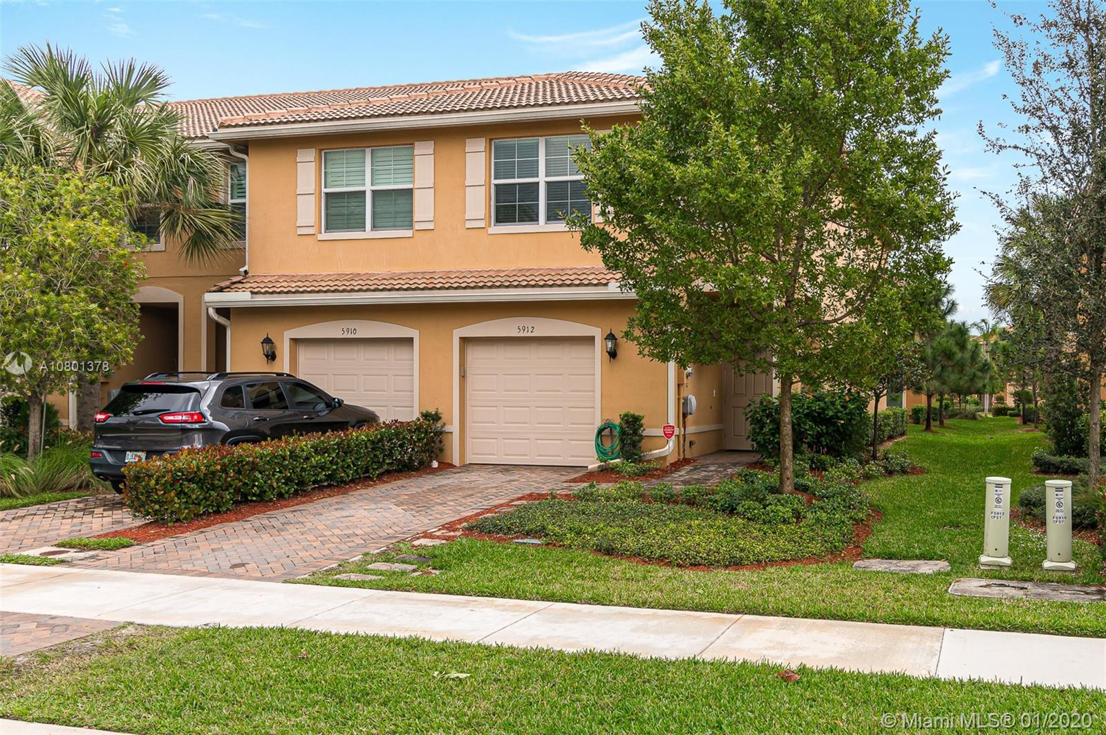 5912 Monterra Club Dr, Lake Worth, FL 33463