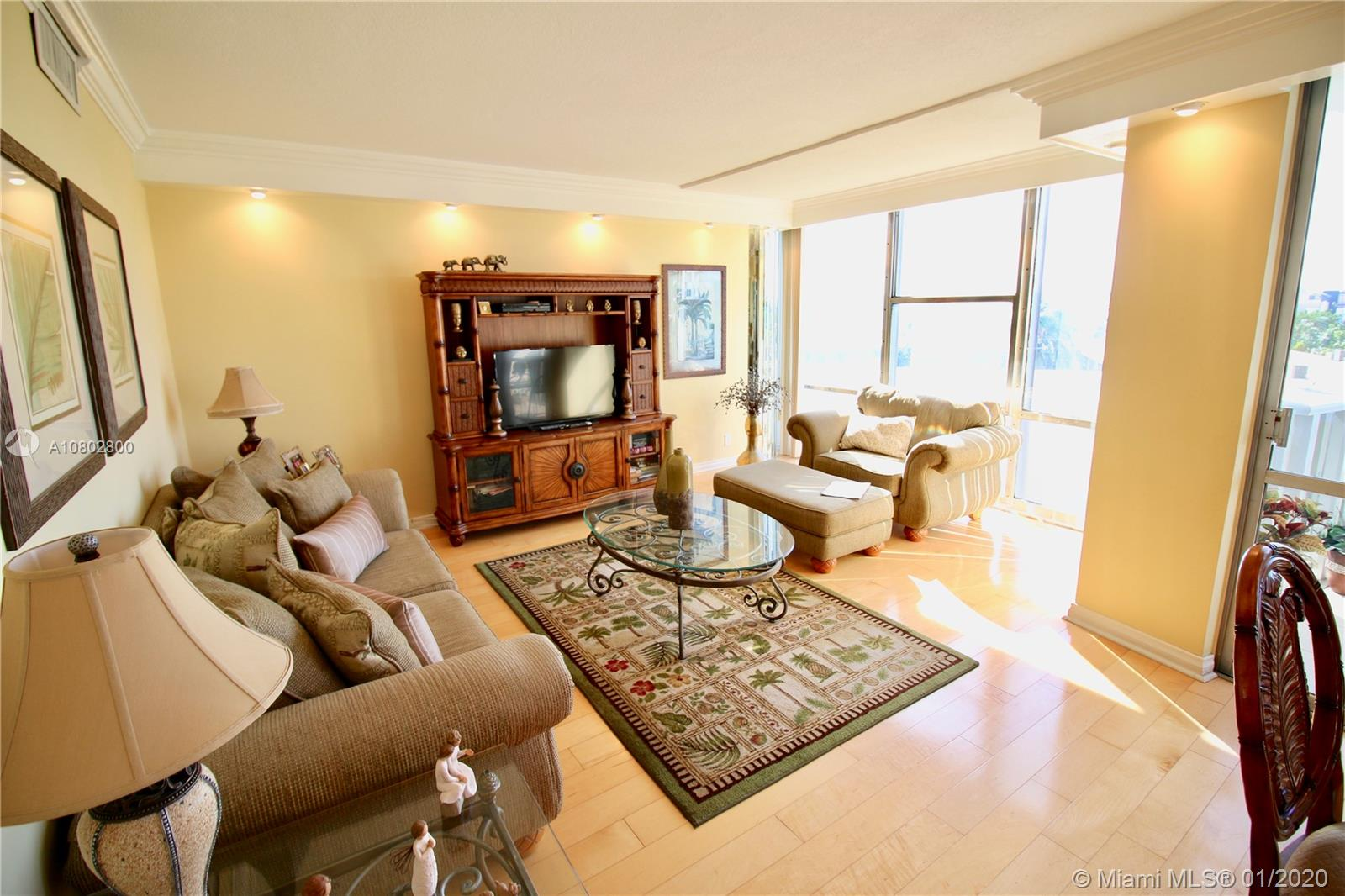 900  Bay Dr #319 For Sale A10802800, FL