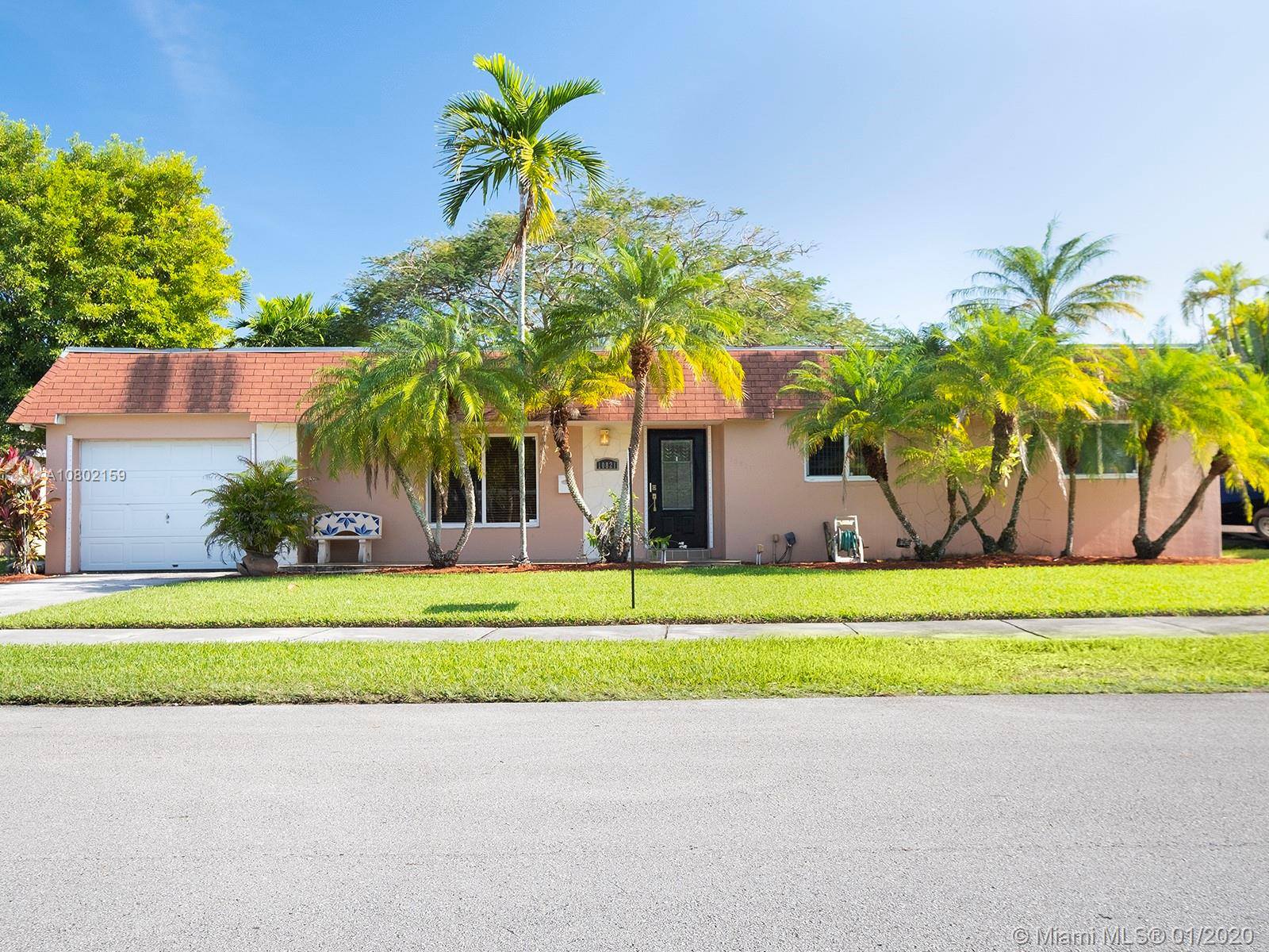 10821 SW 105th Ave  For Sale A10802159, FL