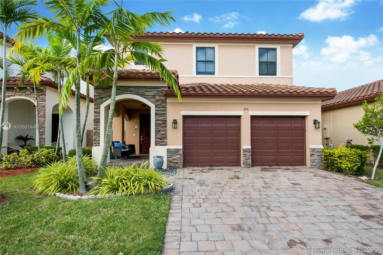 706 SE 34th Ave  For Sale A10801446, FL