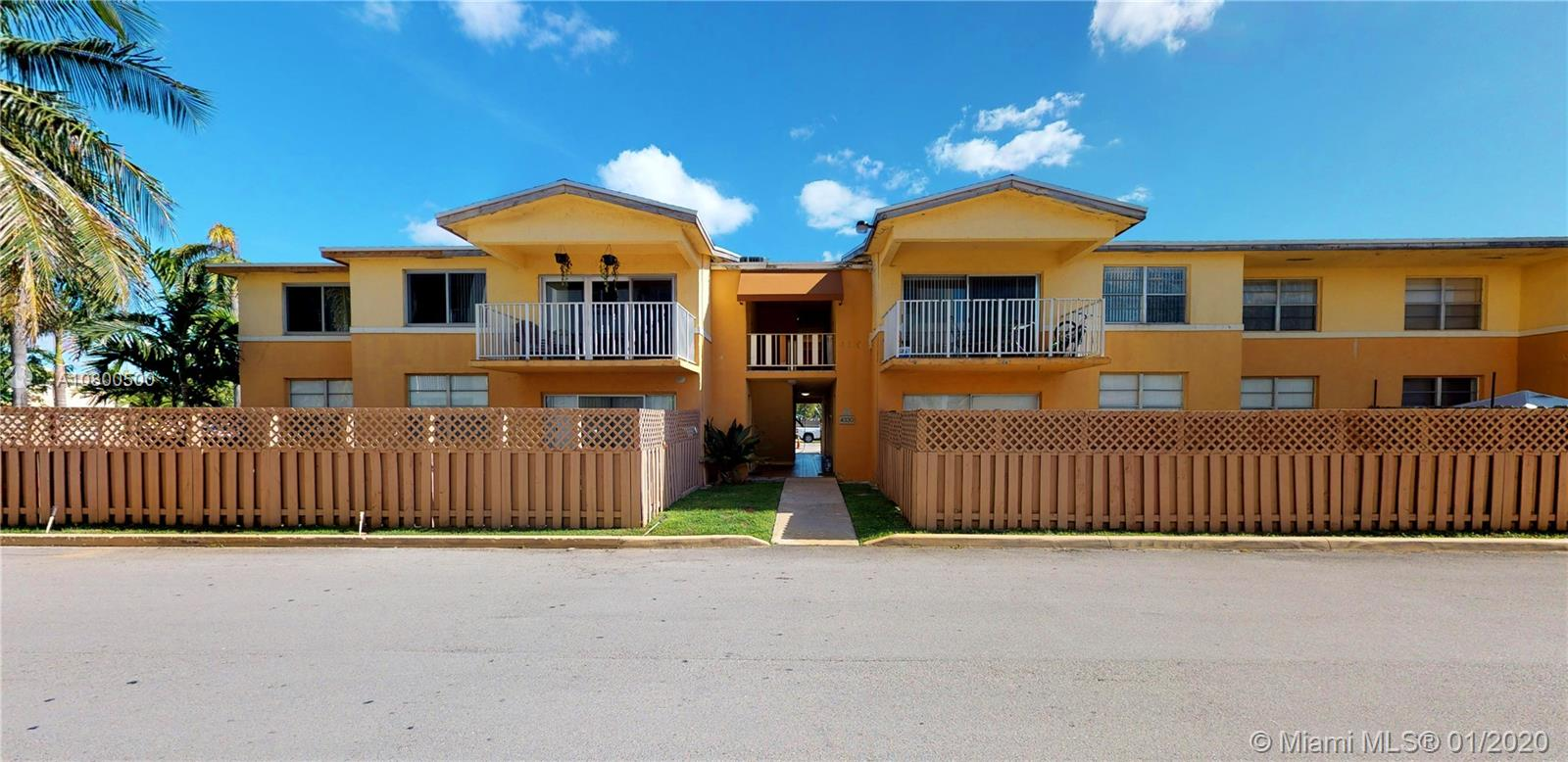 4330 NW 79th Ave #2C For Sale A10800500, FL