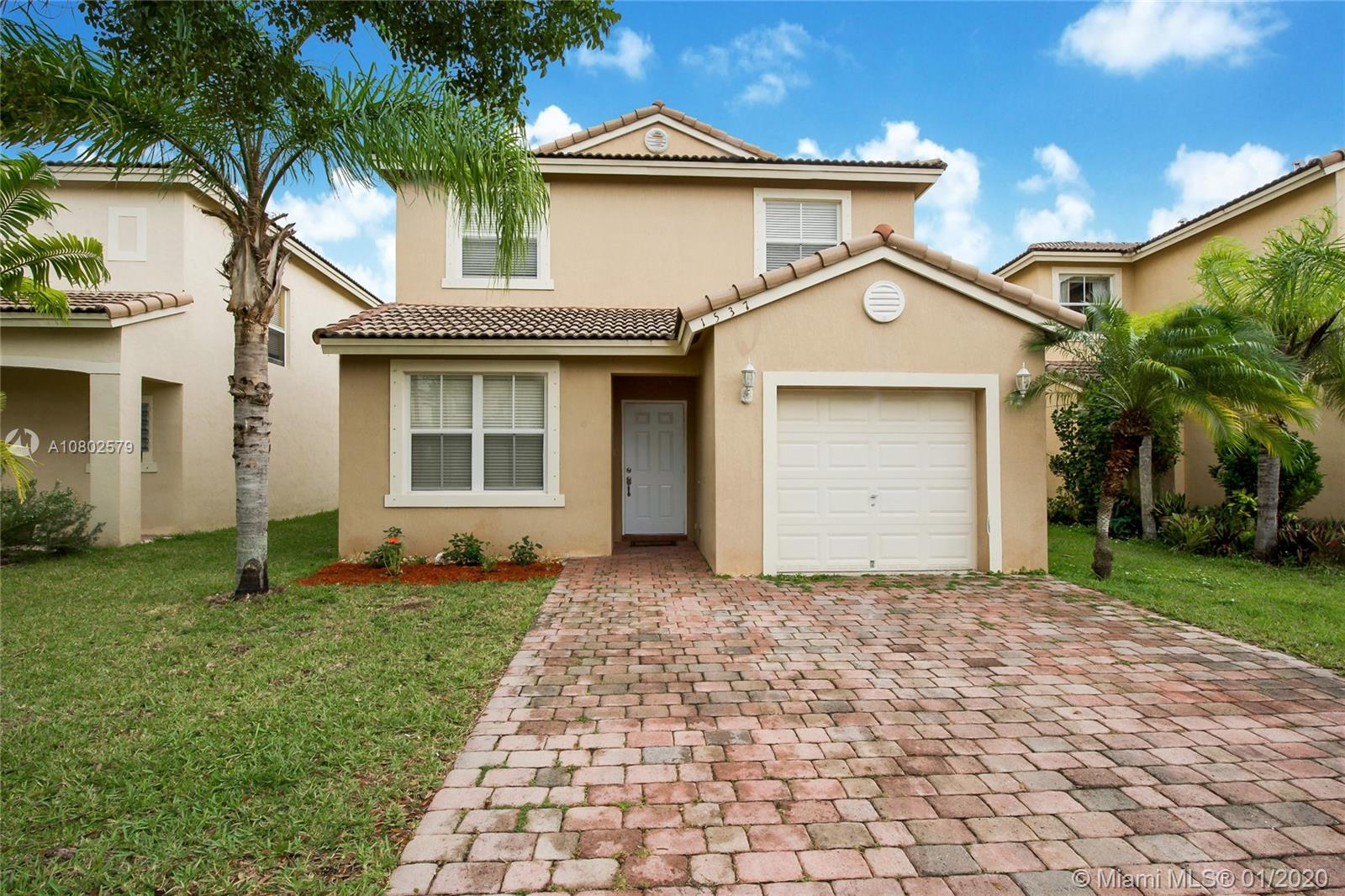 1537 SE 20th Rd  For Sale A10802579, FL