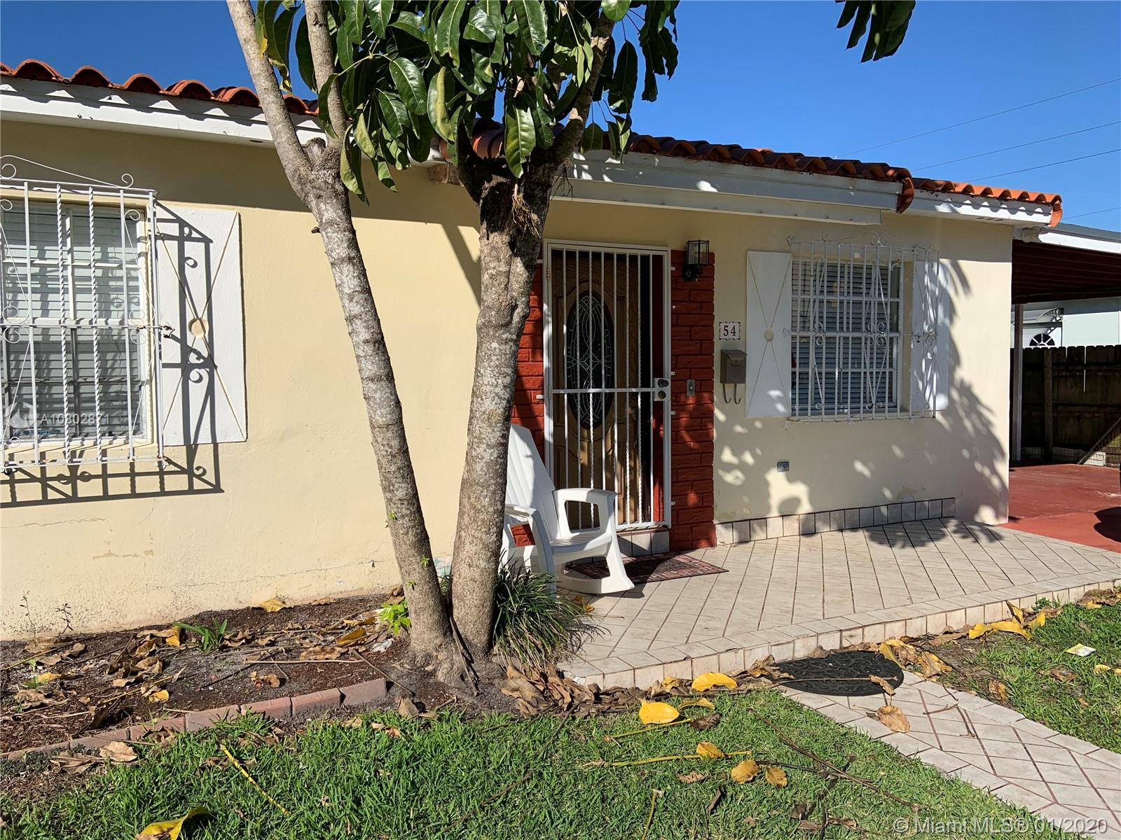 54 SW 61st Ave #A For Sale A10802871, FL