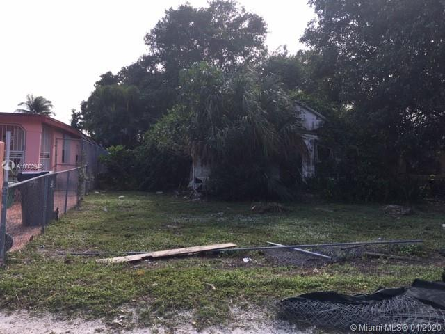 2932 NW 93rd St  For Sale A10802943, FL