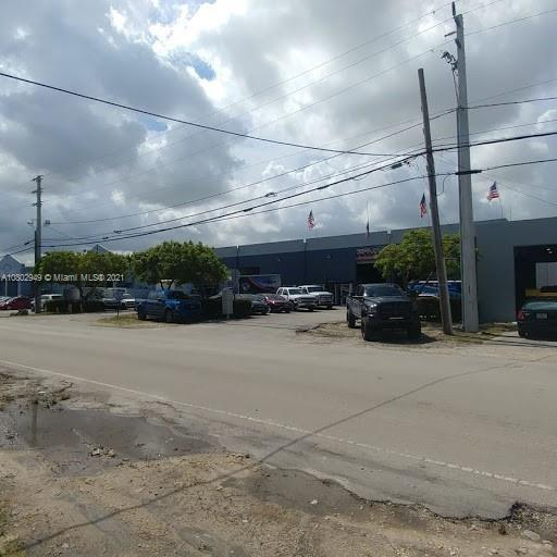 5375 NW 72nd Ave, Miami, FL 33166