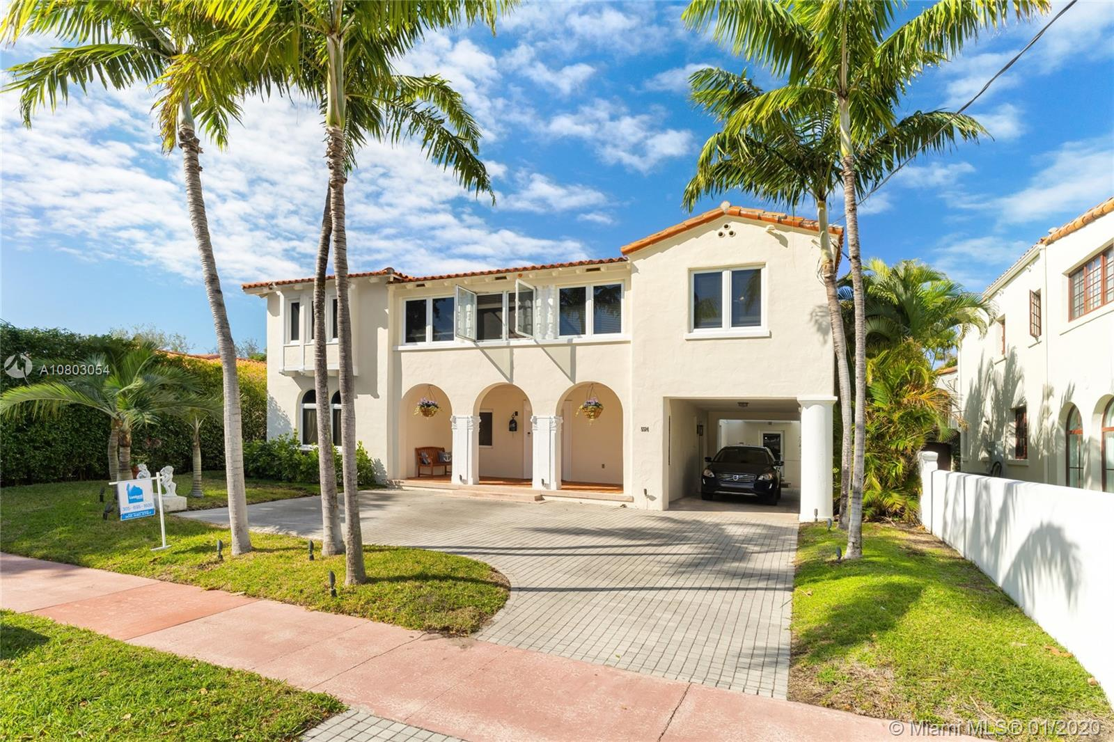 5514  Pine Tree Dr  For Sale A10803054, FL
