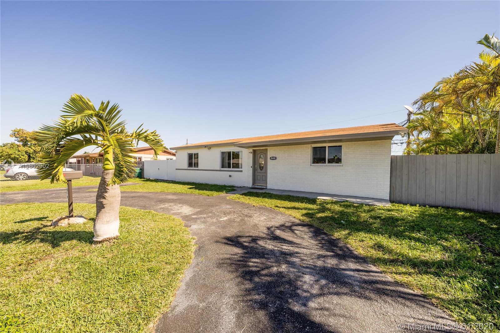 20201 SW 112th Ct  For Sale A10802902, FL