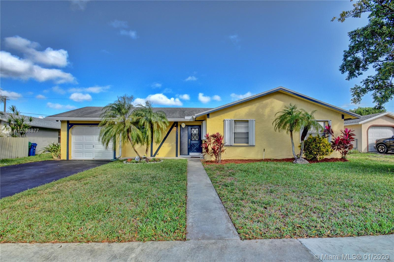 8231 NW 45th Ct  For Sale A10798877, FL