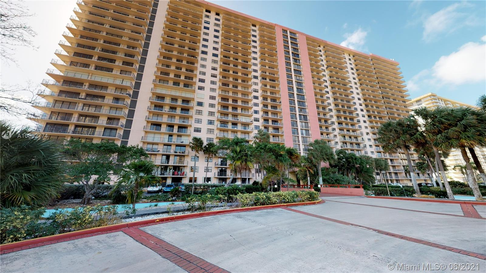210  174th St #1603 For Sale A10802774, FL