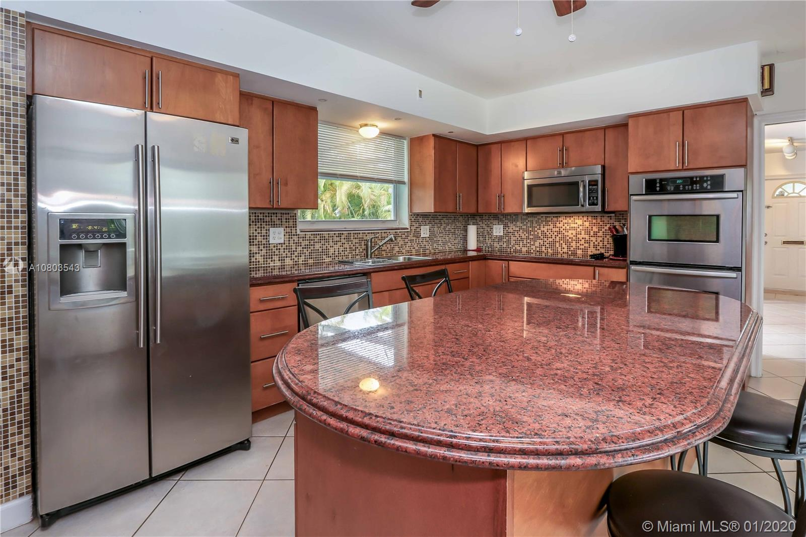 1124 N 13th Ave  For Sale A10803543, FL