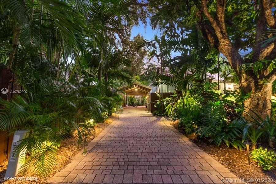 2410  Overbrook St  For Sale A10782900, FL