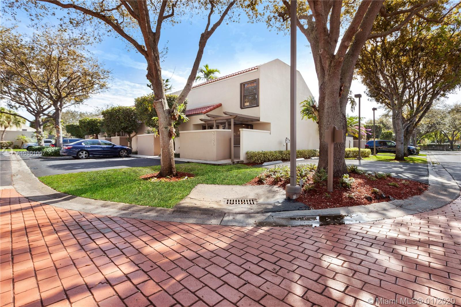 8120 SW 86th Ter  For Sale A10801007, FL