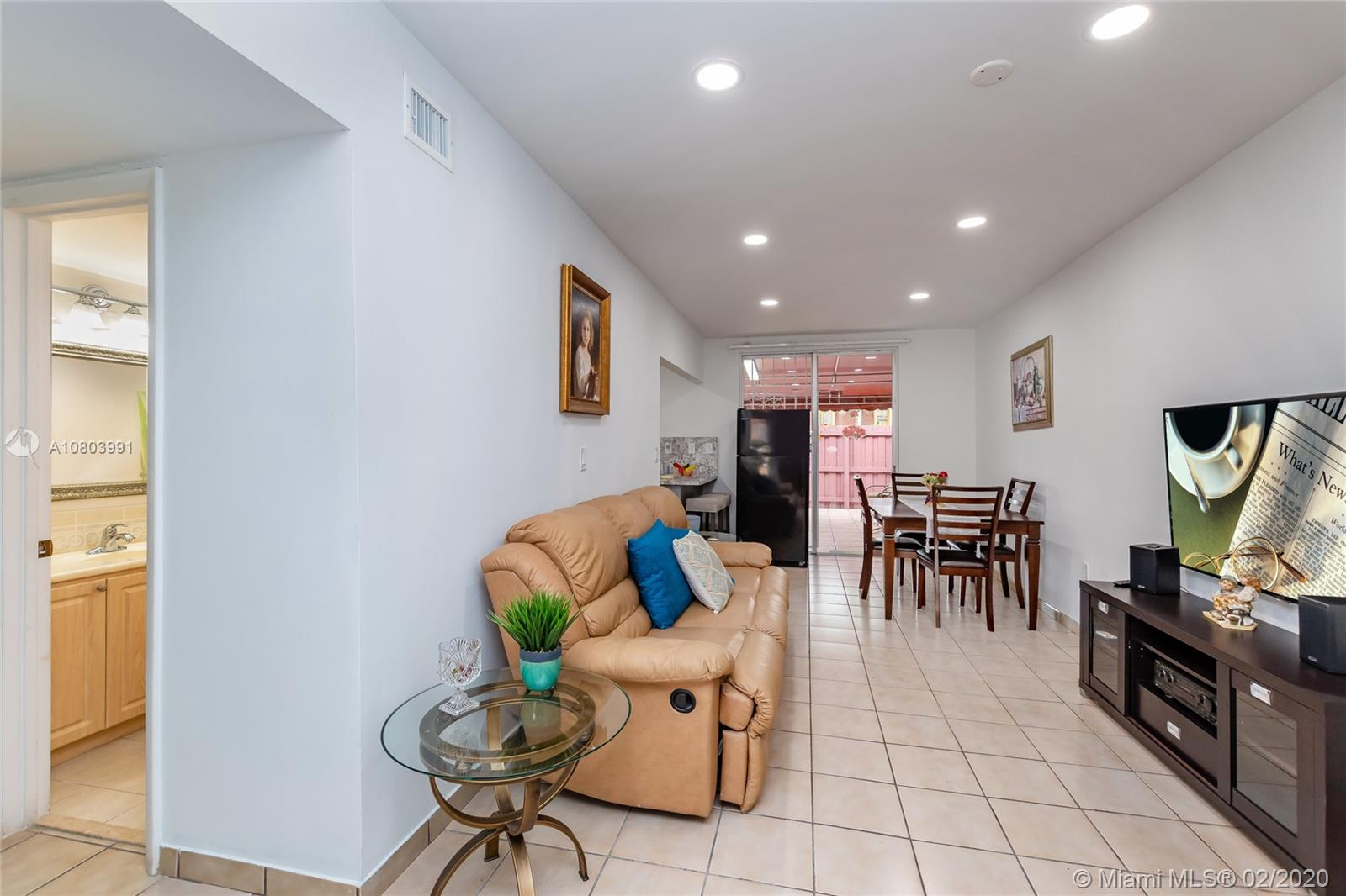 606 NW 107th Ave #6A For Sale A10803991, FL