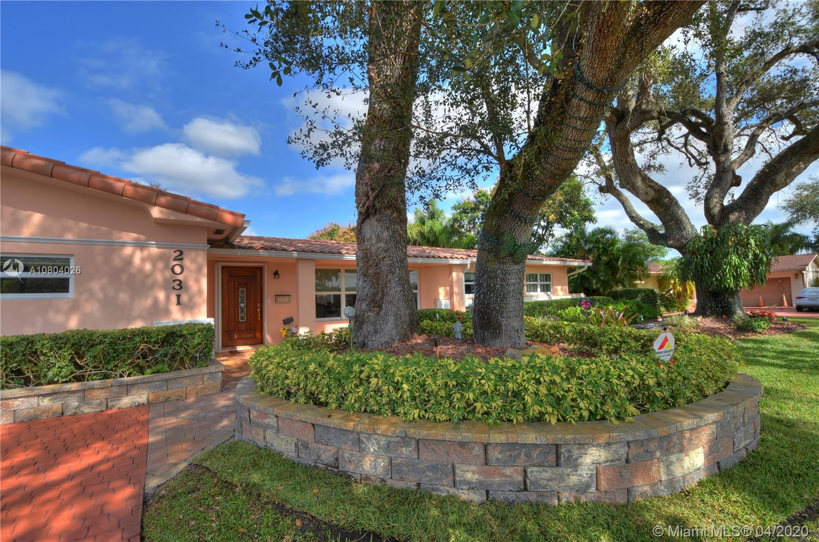 2031 NE 196th Ter  For Sale A10804026, FL