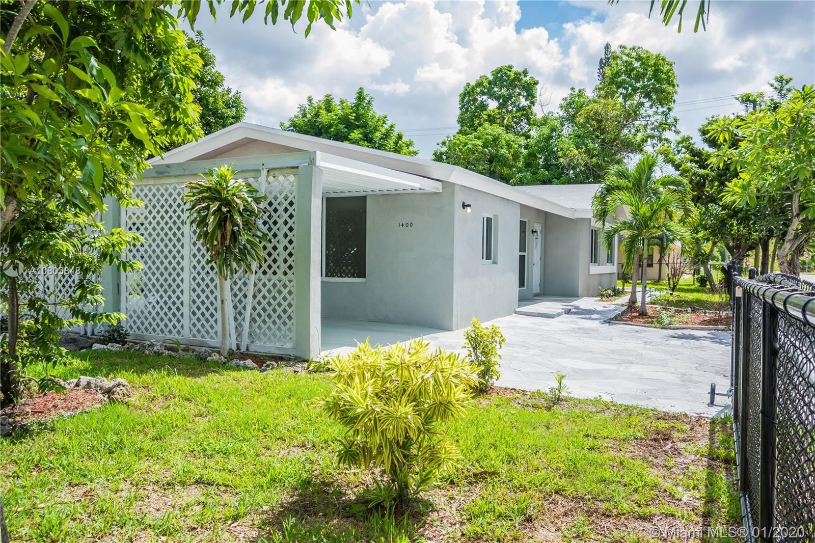 1400 NW 9th Ave  For Sale A10803848, FL