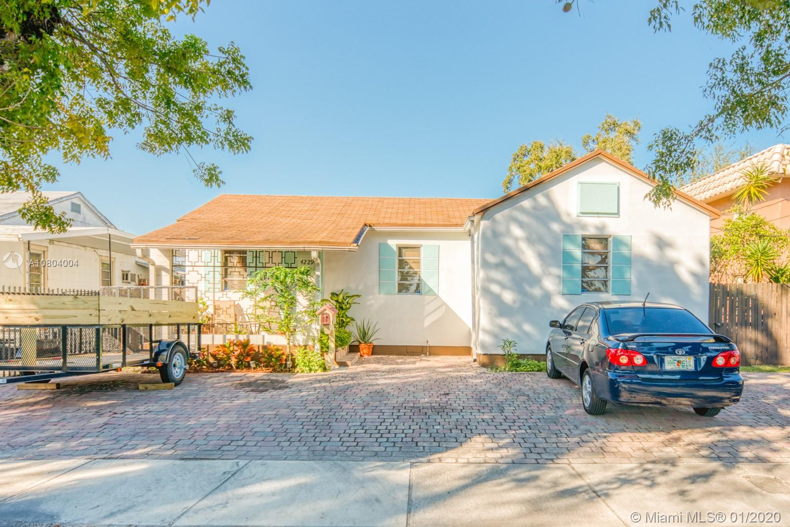 4229 SW 7th St  For Sale A10804004, FL