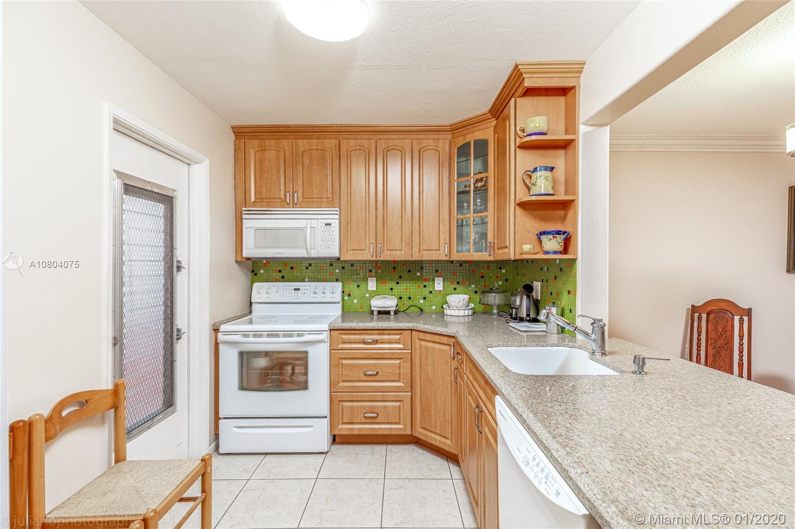 1445  Atlantic Shores Blvd #306 For Sale A10804075, FL