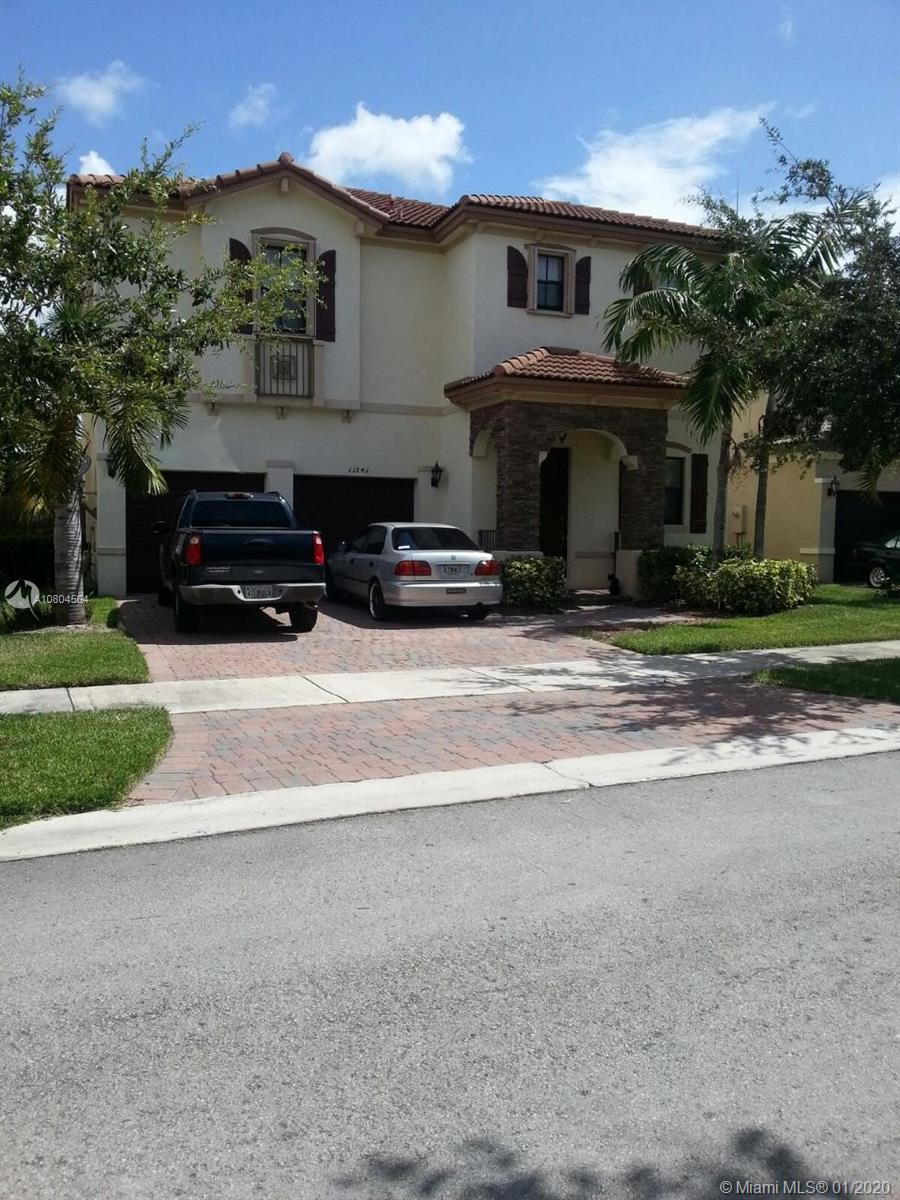 11241 SW 240 Ln  For Sale A10804564, FL