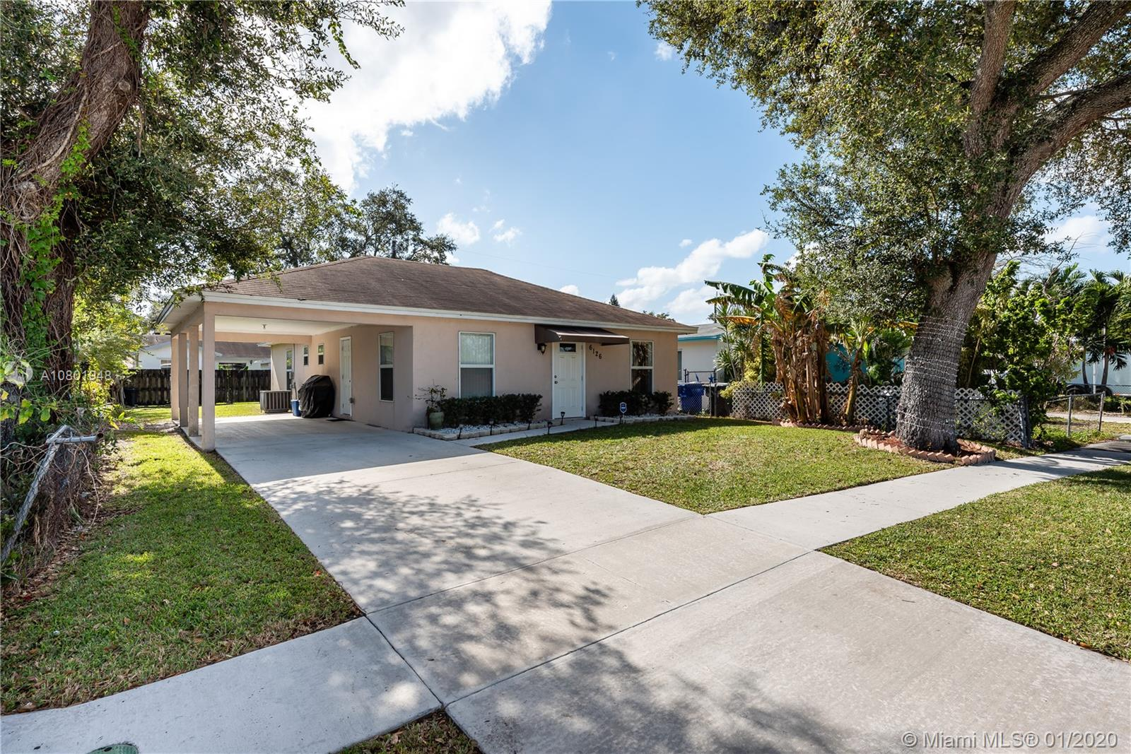 6126  Wiley St  For Sale A10801948, FL