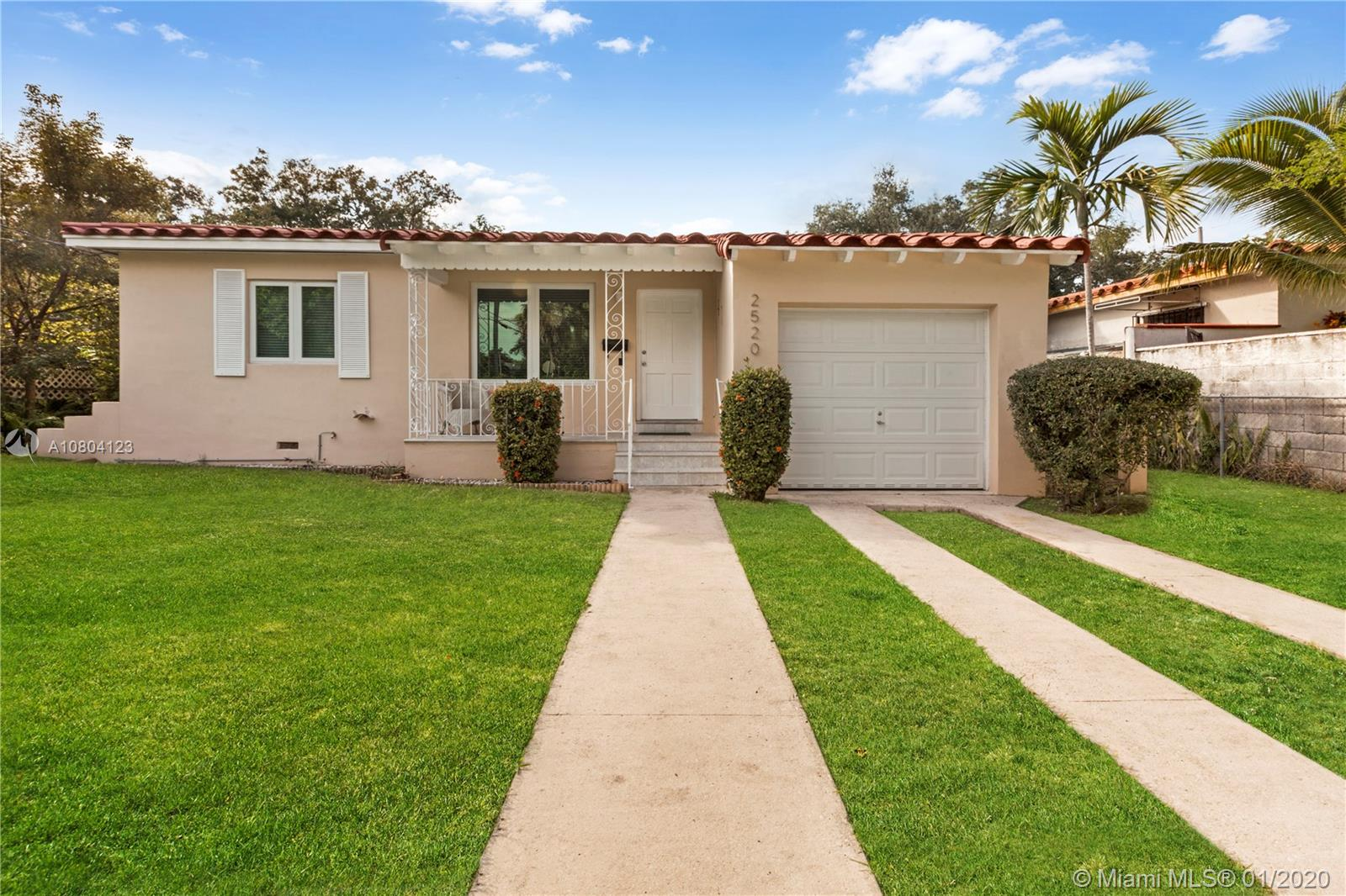 2520 SW 19th Ave  For Sale A10804123, FL