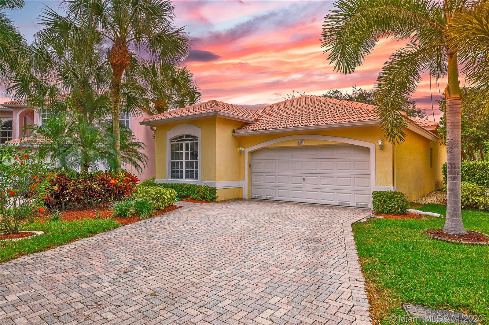 7533 NW 60th Ln  For Sale A10804364, FL
