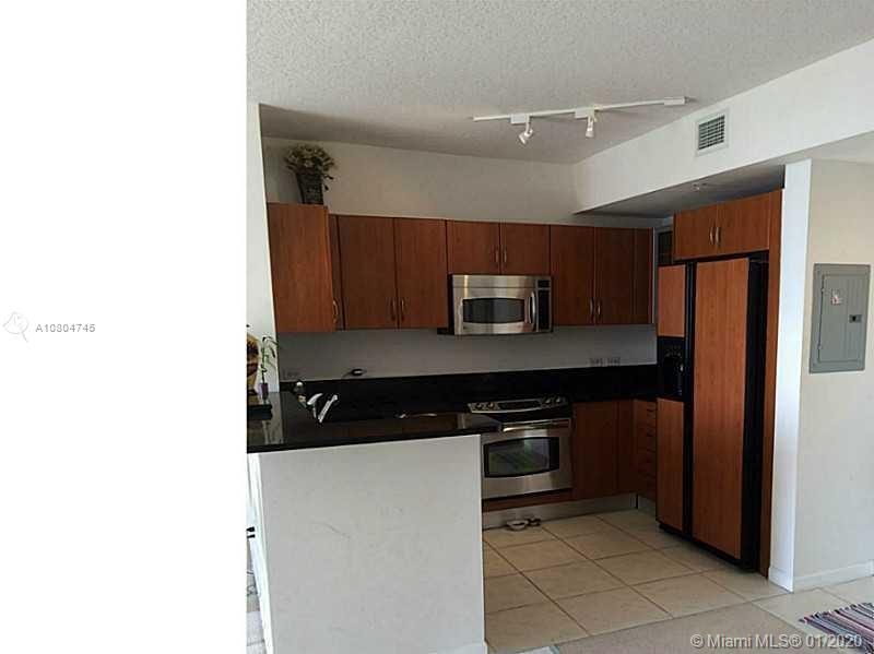 18800  Ne 29 av #911 For Sale A10804745, FL