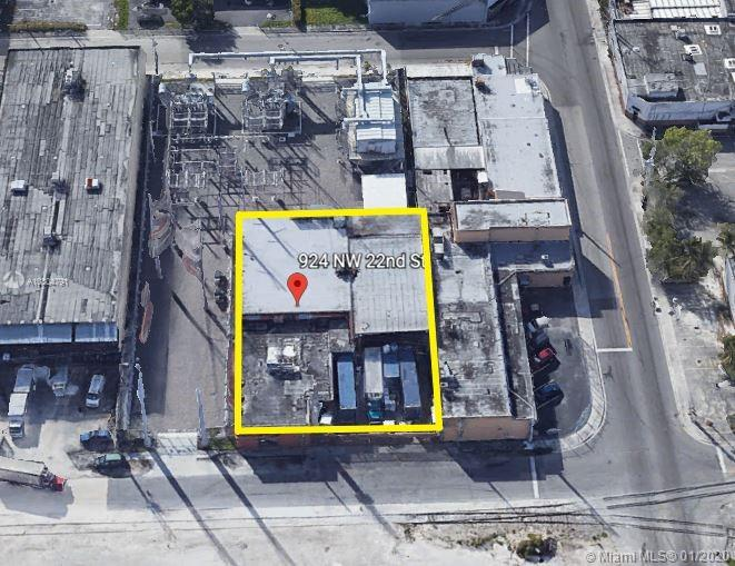 924 NW 22nd St  For Sale A10804791, FL