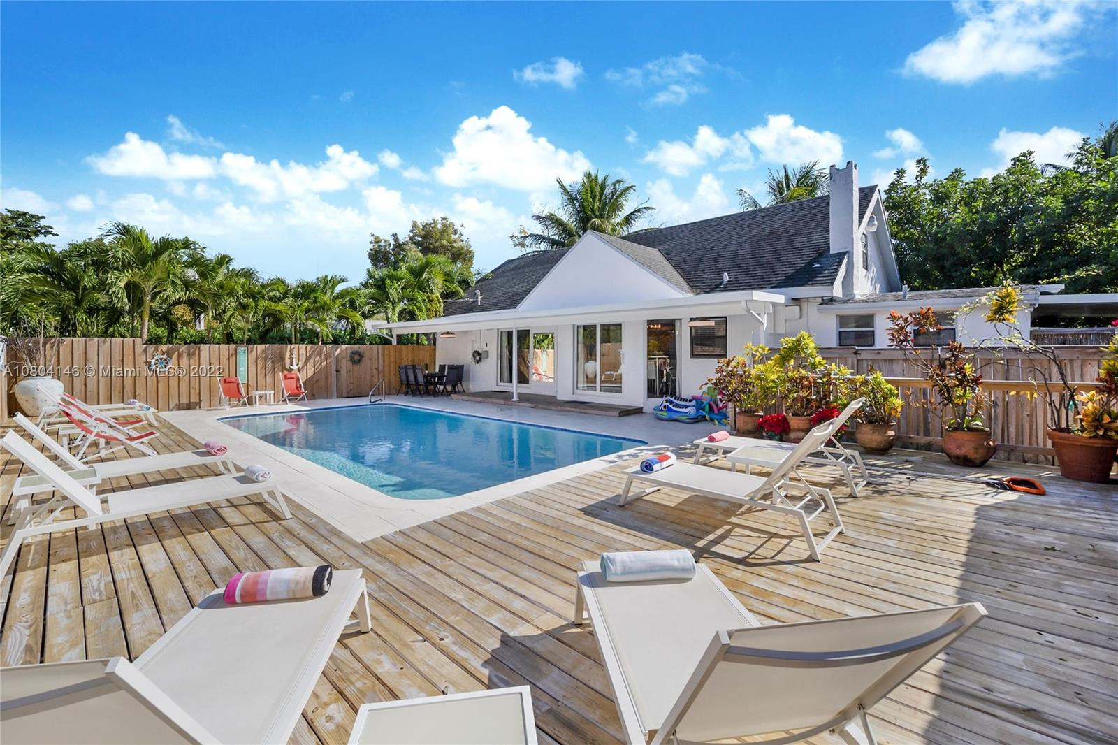 212 SW 1st Ave  For Sale A10804146, FL