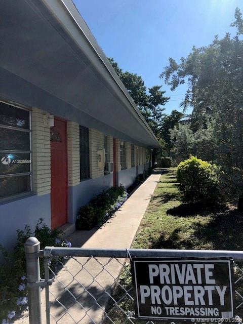 330 SW 19th St #4 For Sale A10805669, FL