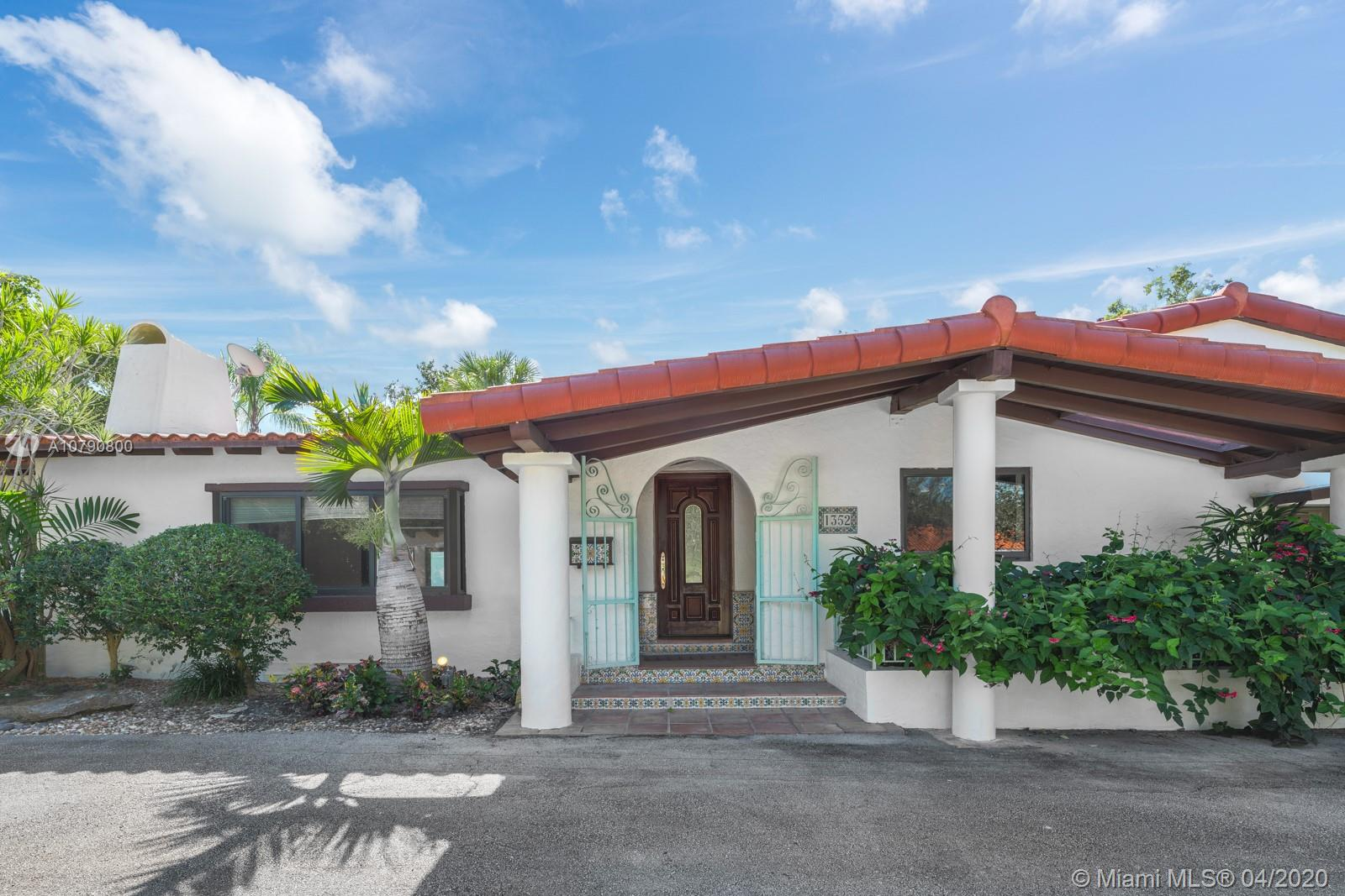 1352  Blue Rd  For Sale A10790800, FL