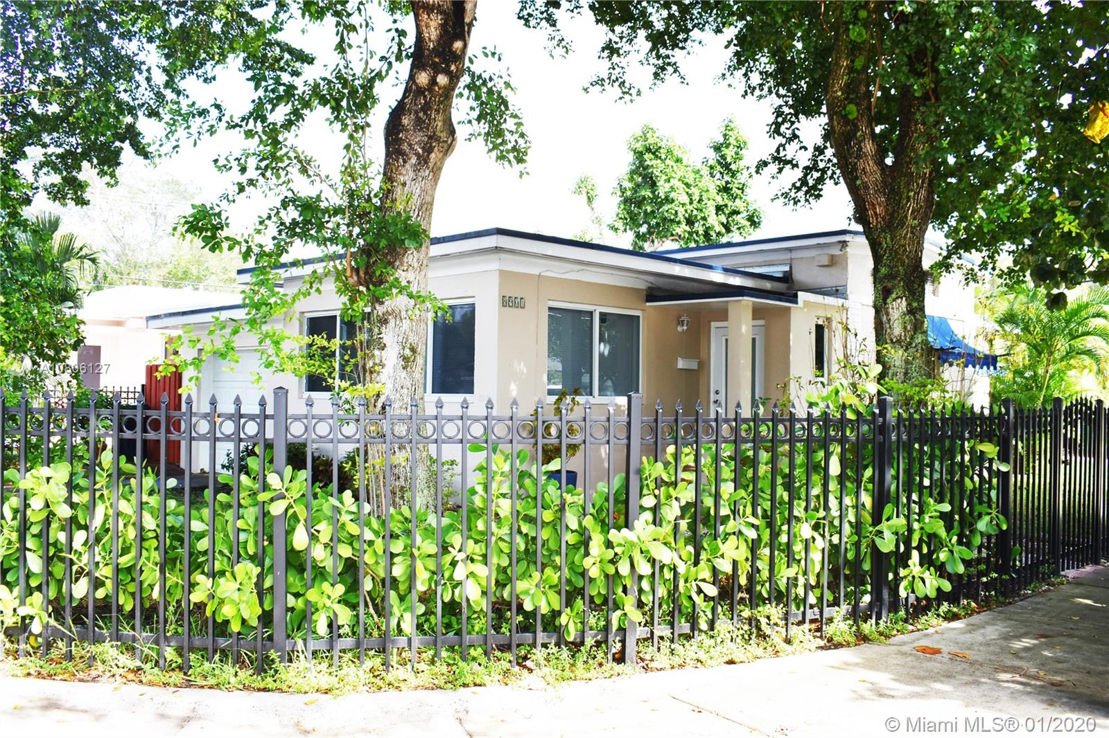 8901 N Miami Ave  For Sale A10806127, FL