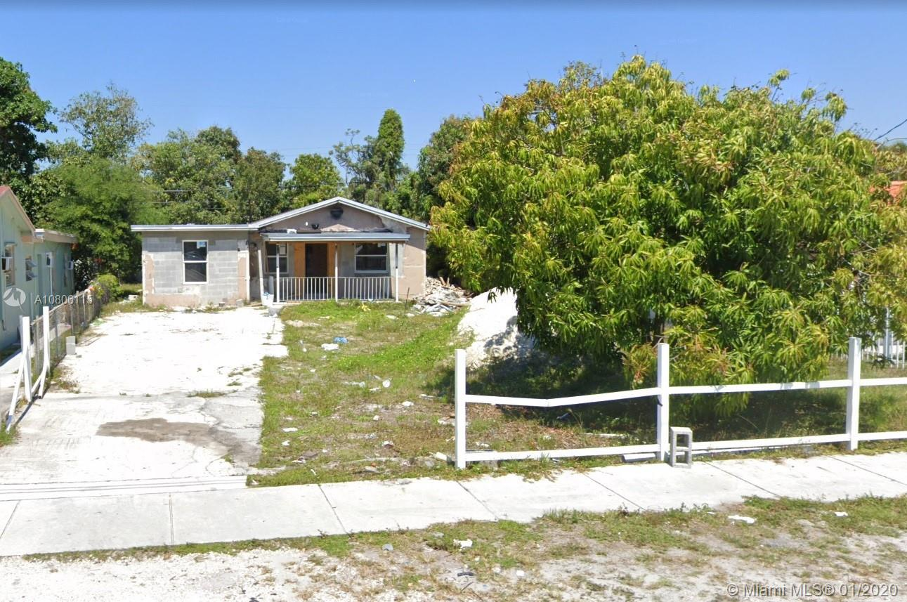 827 NW 114th St  For Sale A10806115, FL