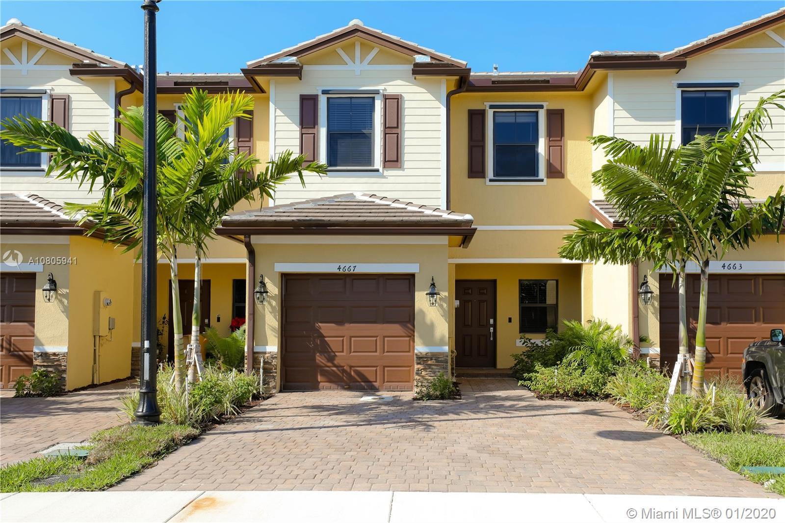 5800  Griffin Rd #4667 For Sale A10805941, FL