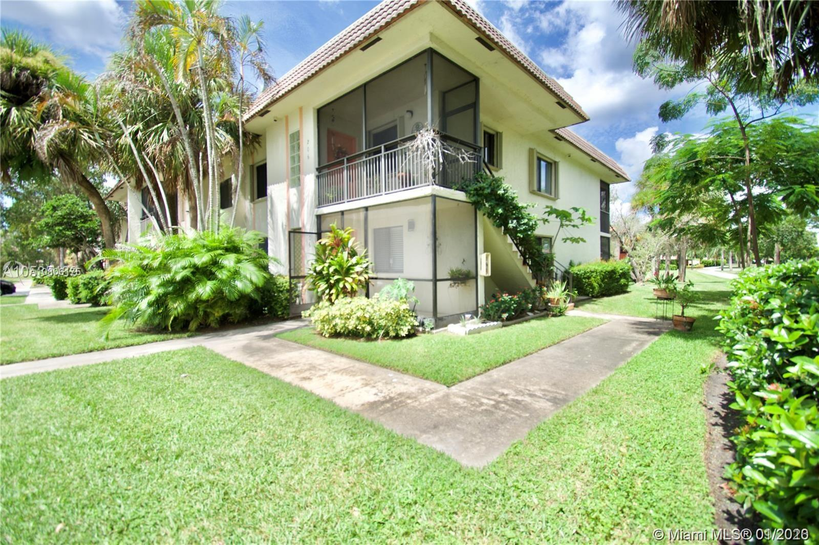 401  Lakeview Dr #106 For Sale A10806175, FL