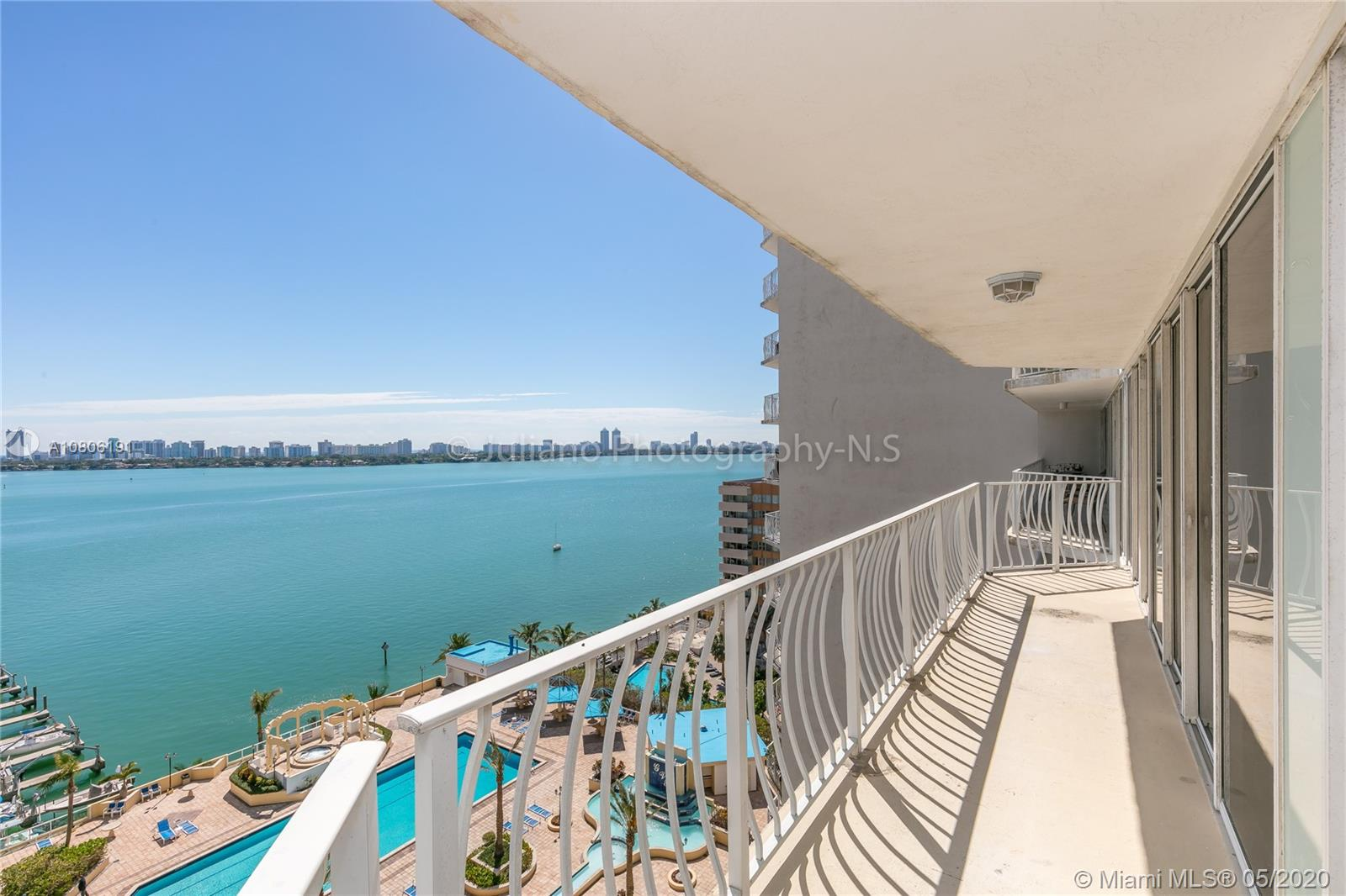 7601 E Treasure Dr #1109 For Sale A10806191, FL