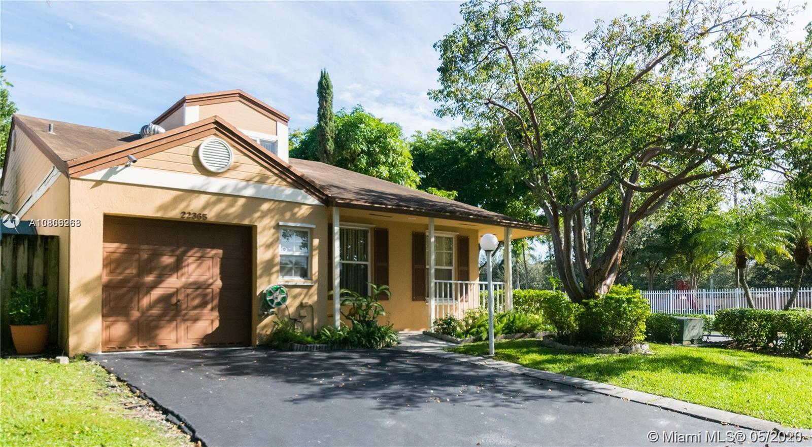 22365 SW 100th Ave  For Sale A10806268, FL