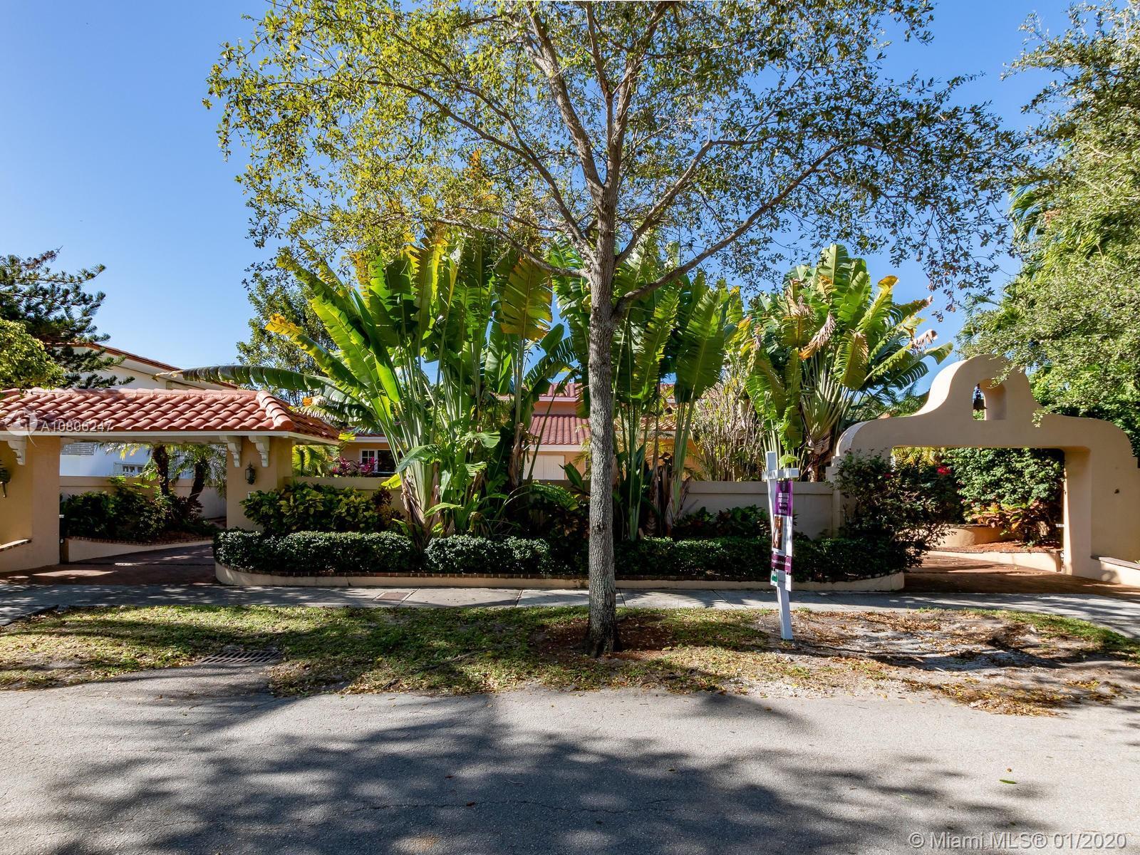 40  Shore Dr N  For Sale A10806247, FL