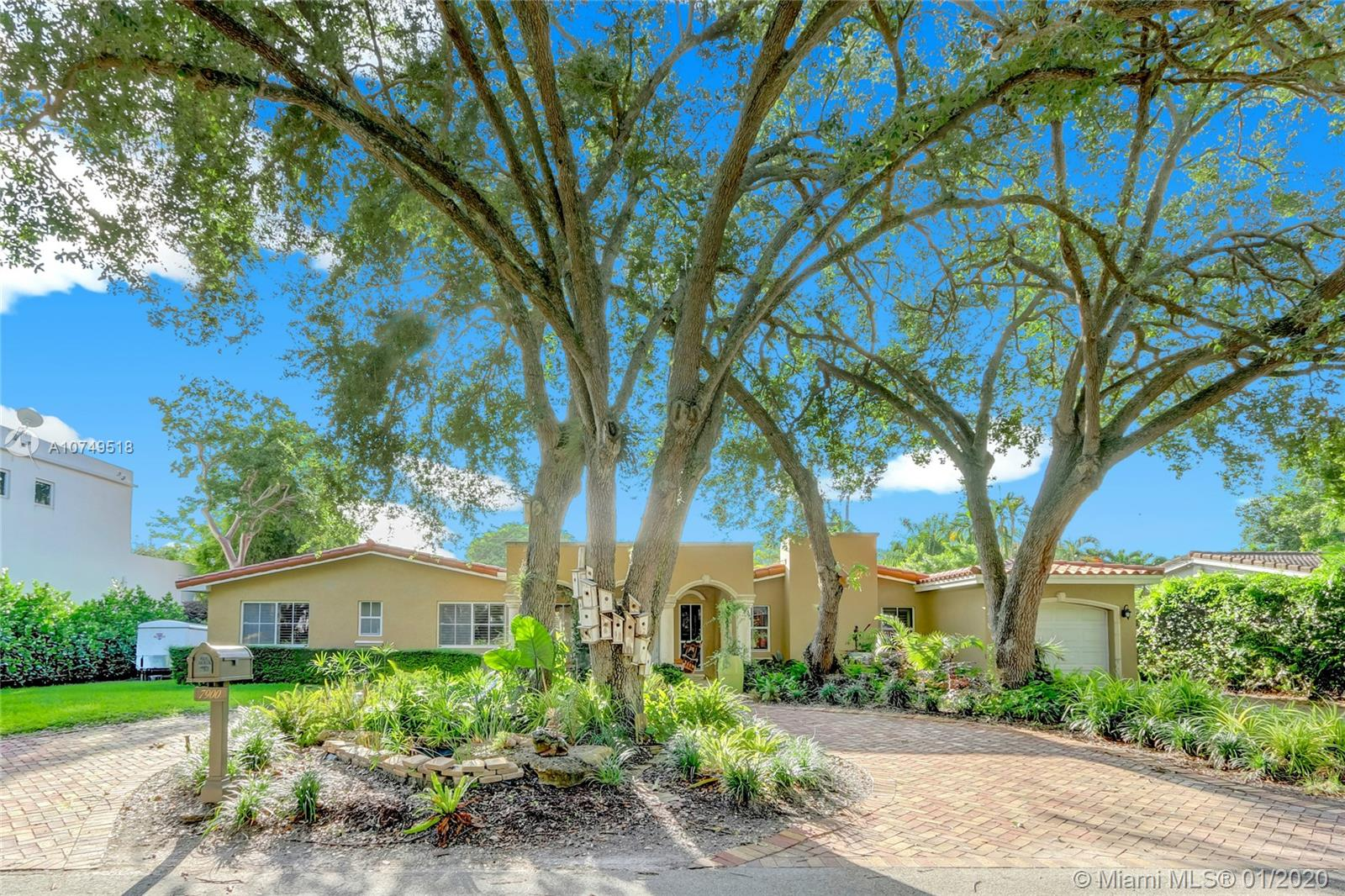 7900 SW 52nd Ct  For Sale A10749518, FL