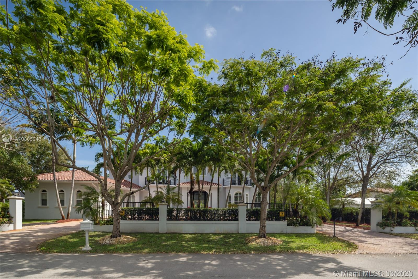 12635 SW 67th Ct  For Sale A10805948, FL