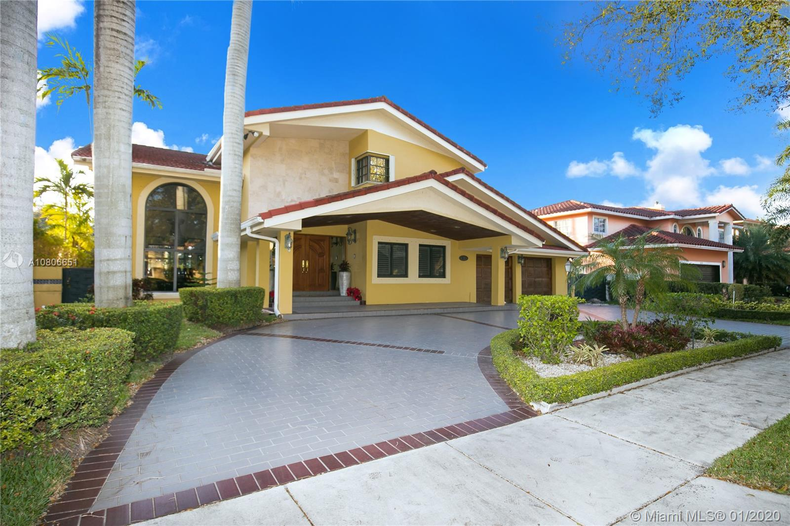 16214 NW 82nd Pl  For Sale A10806651, FL