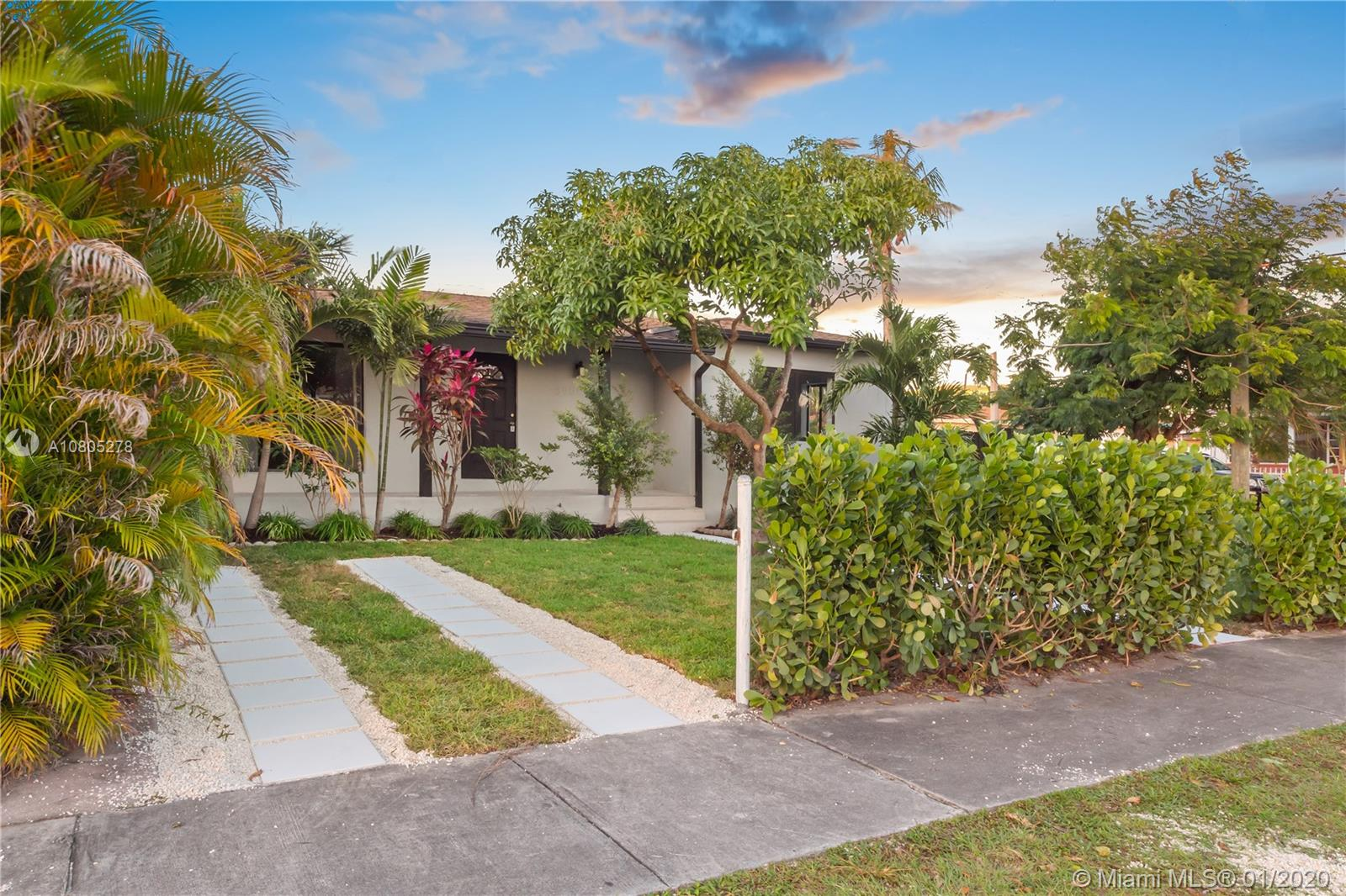 5901 SW 6 St  For Sale A10805278, FL