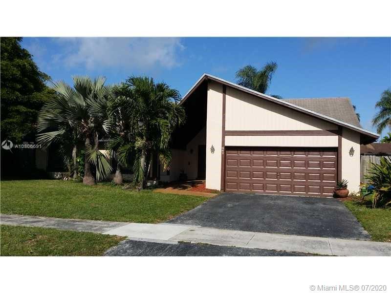 841 NE 205th St  For Sale A10806691, FL