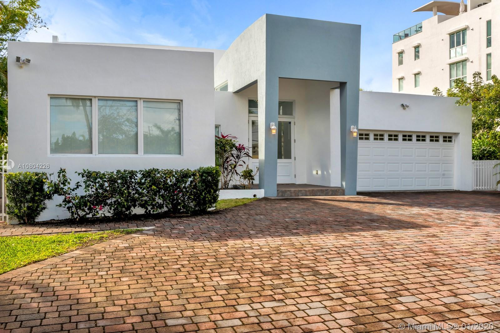 1870  Bay Dr  For Sale A10804226, FL