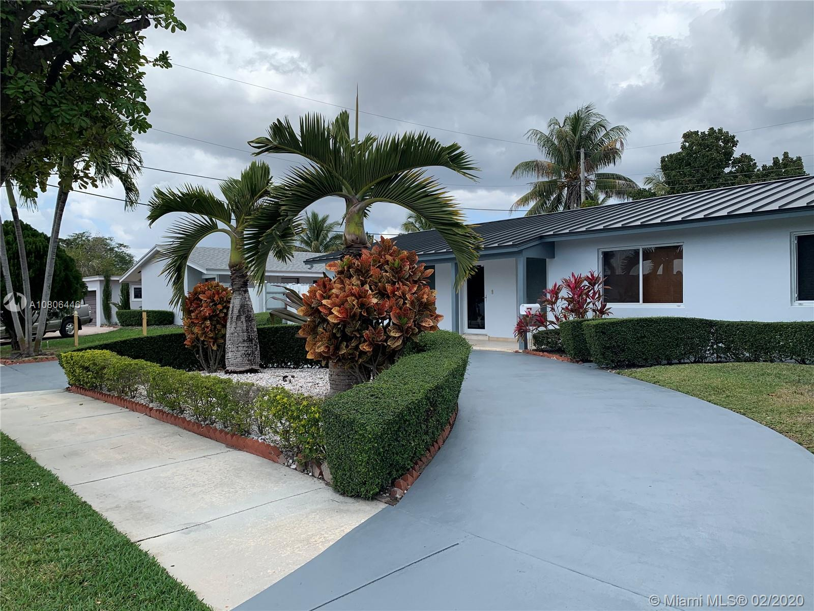 12021 SW 40th St  For Sale A10806446, FL
