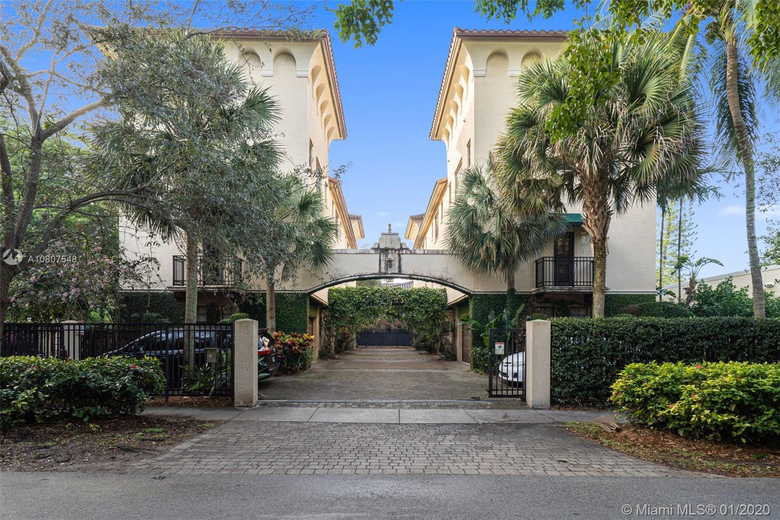 2906  Center St #2906 For Sale A10807548, FL