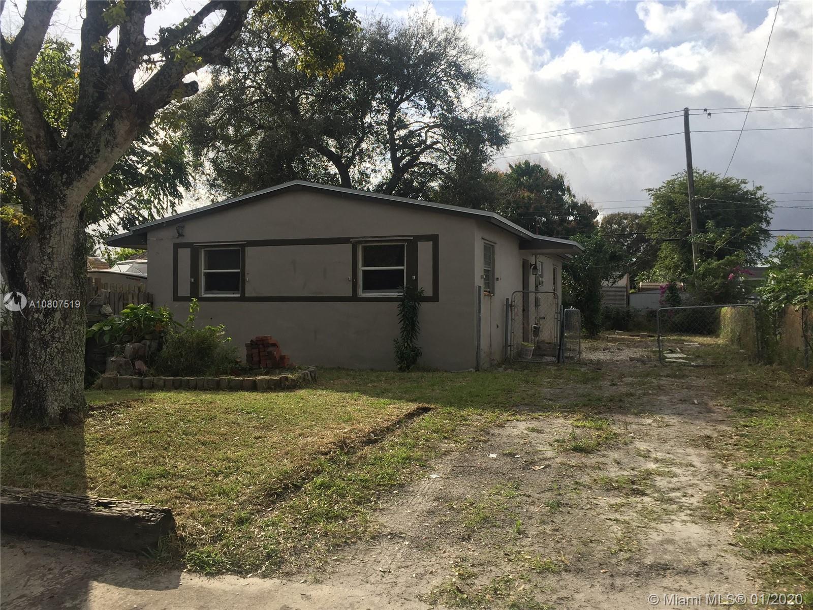 1530 N 69th Way  For Sale A10807519, FL