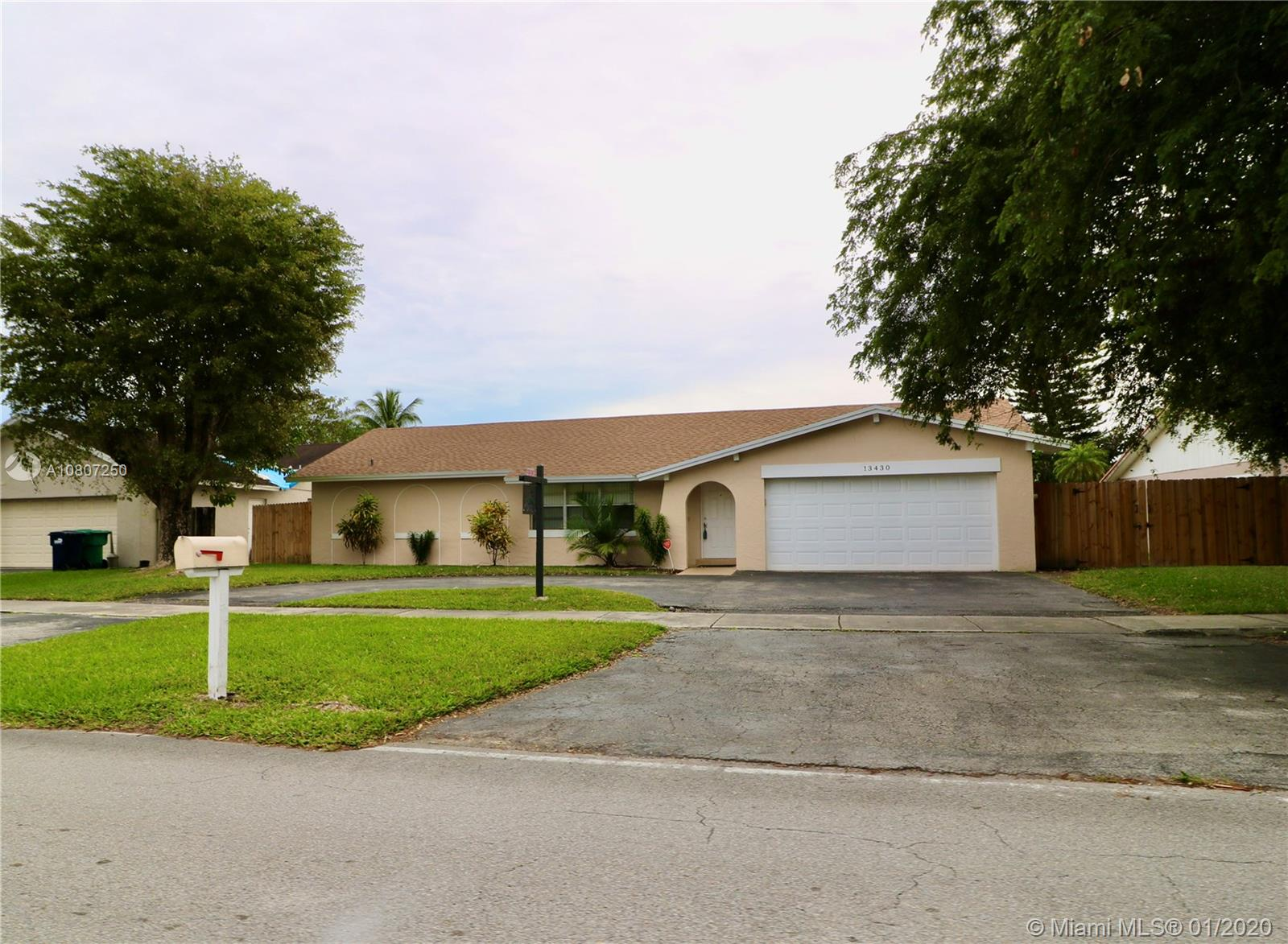 13430 SW 96th St  For Sale A10807250, FL