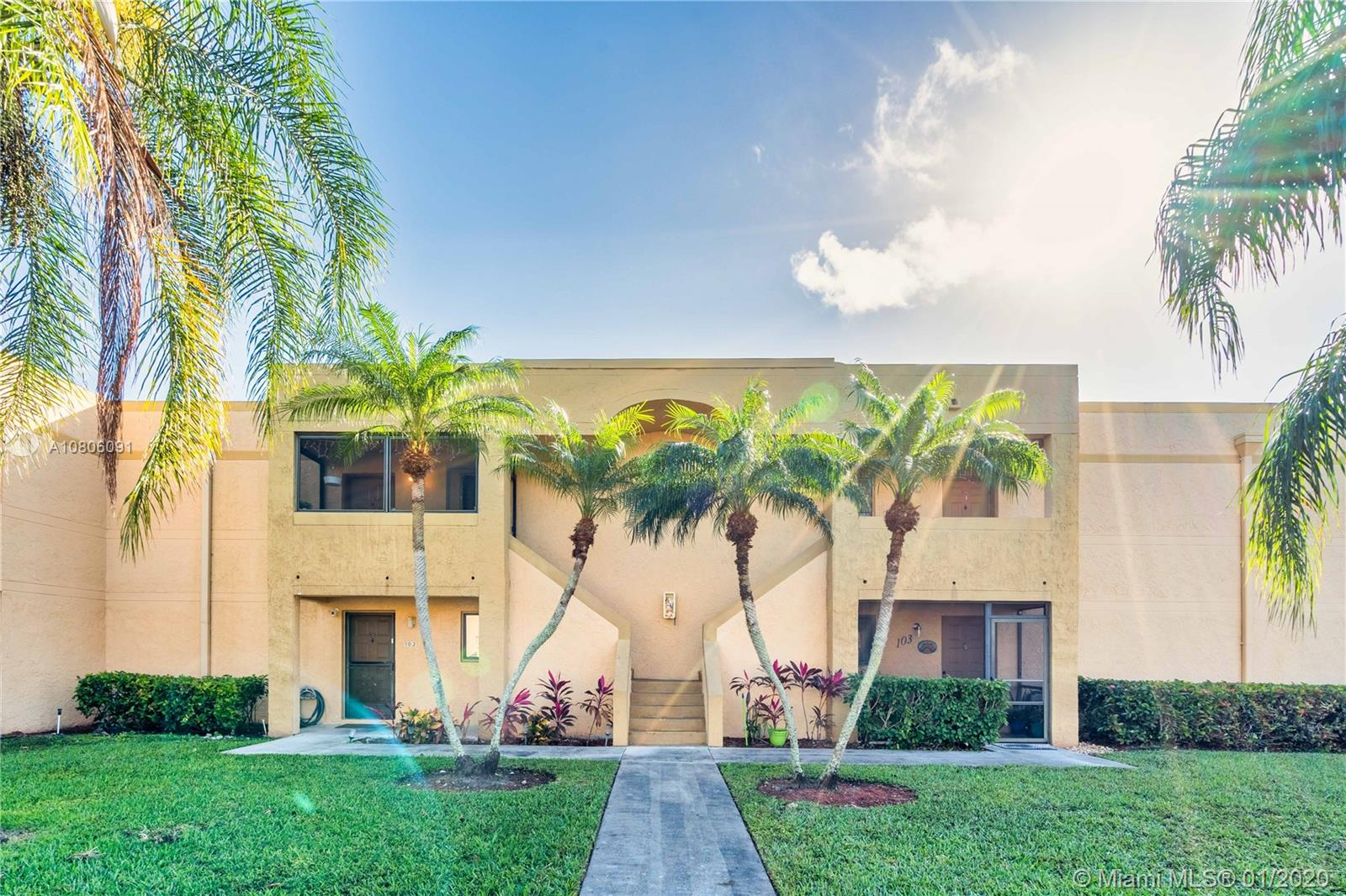 153  Lakeview Dr #203 For Sale A10806091, FL